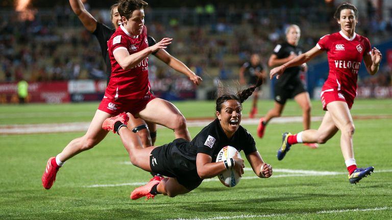 Stacey Fluhler's try in the final took her tally for the tournament to 10