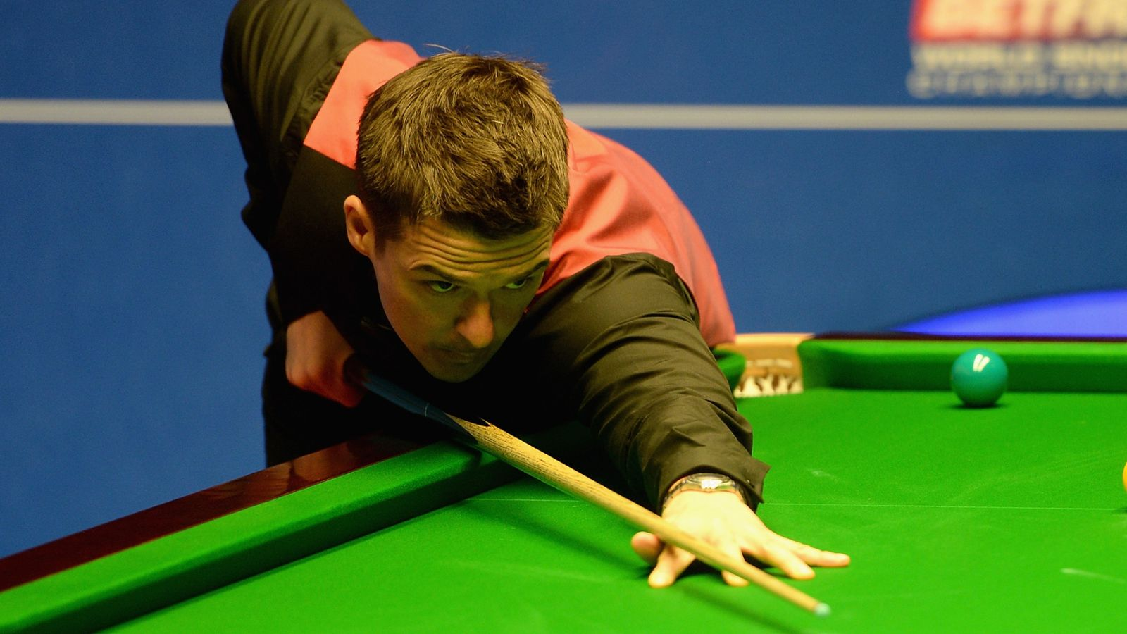 Michael Holt wins Snooker Shoot Out