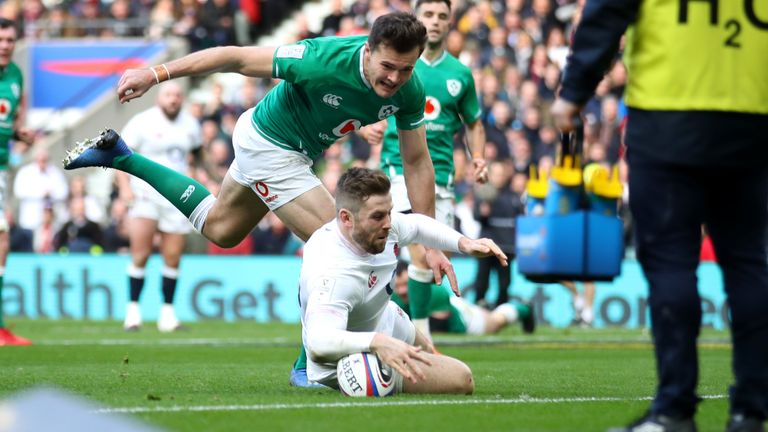 Elliot Daly took advantage of a poor piece of defensive play from Jacob Stockdale for England's second try