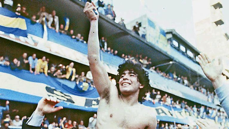 Diego Maradona being carried by fans after winning the 1981 local Championship with Boca Juniors