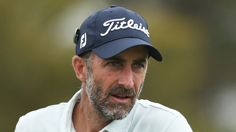 Geoff Ogilvy is four shots off the lead at the Vic Open