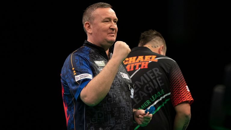 Glen Durrant started his Premier League campaign with a fantastic victory
