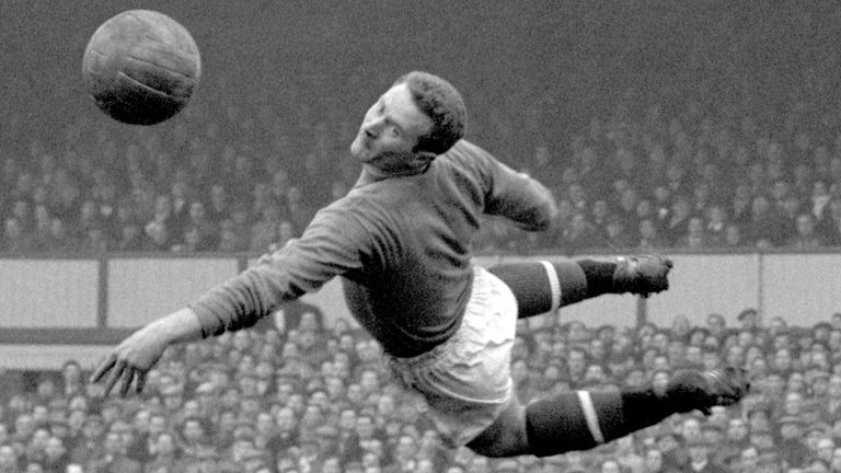 Harry Gregg: Former Manchester United goalkeeper dies aged 87
