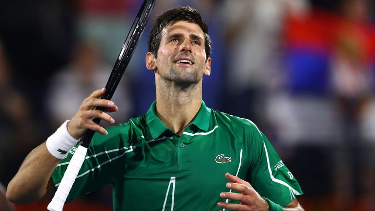 Novak Djokovic superó a Malek Jaziri por la pérdida de tres juegos