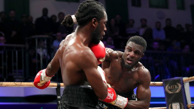 Ohara Davies stopped Jeff Ofori to reach the Golden Contract final