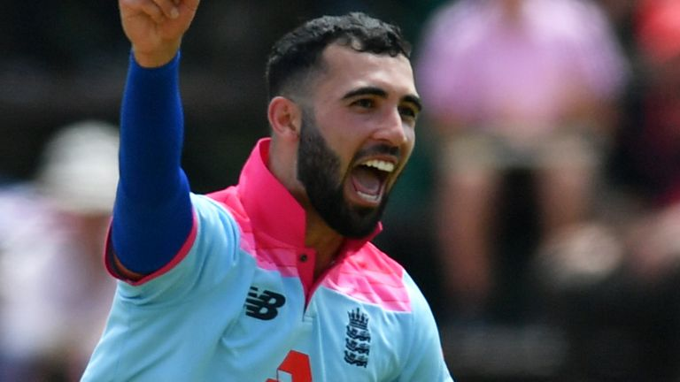 England set 257 to level series in Joberg