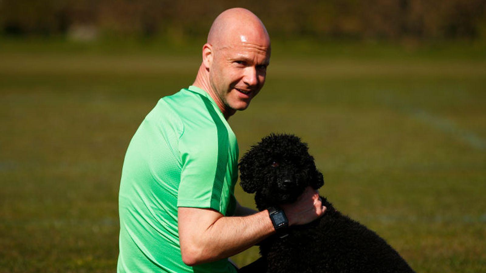 Anthony Taylor sobre por qué se ha convertido en voluntario del NHS y arbitra a puerta cerrada | Noticias de futbol 37