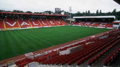 fifa live scores - Former Charlton chairman Matt Southall attempting to retake control of club