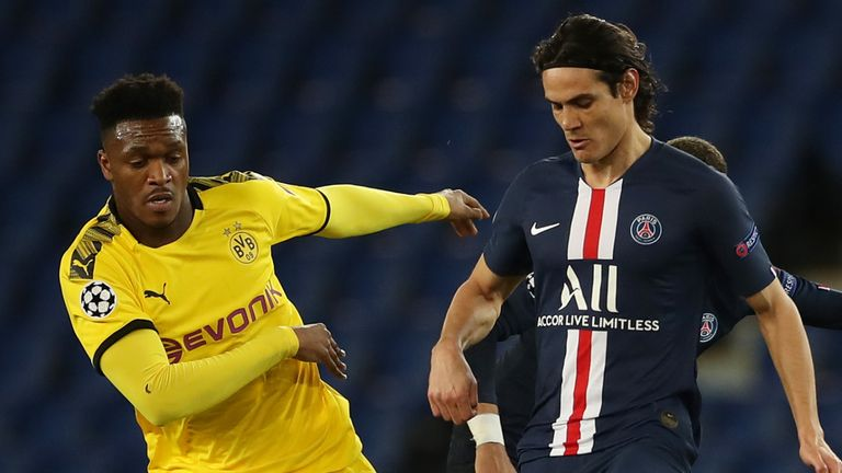 Edinson Cavani started up front for PSG with Kylian Mbappe on the bench