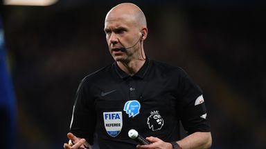 Premier League refs set to receive bonus