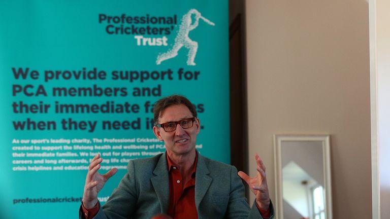 Tony Adams, pendiri Sporting Chance, pada peluncuran kemitraan dengan Professional Cricketers 'Association (PCA)