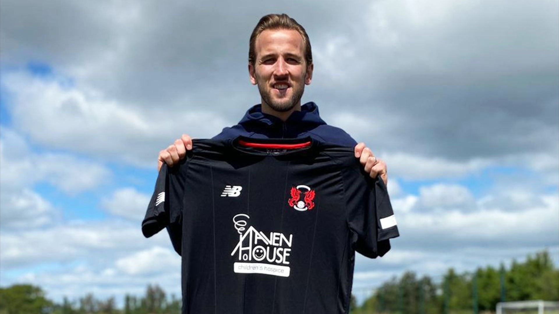 Kane delighted by worldwide Orient shirt sales