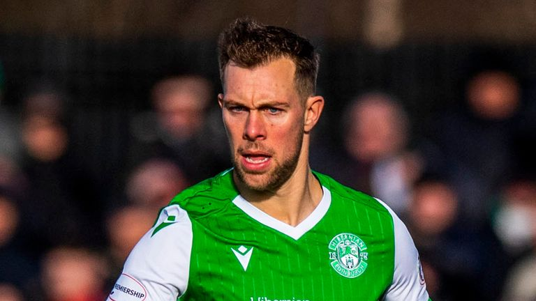 Steven Whittaker will leave Hibs for the second time in his career when his contract ends next week