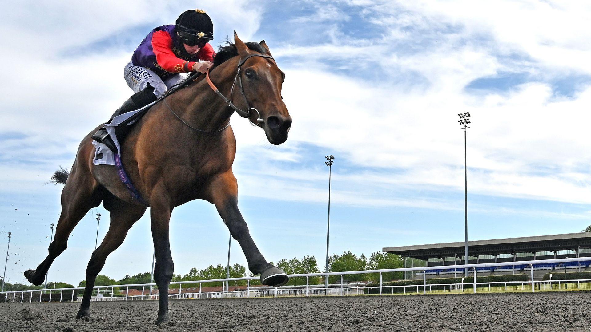 Moore off mark at Kempton - sky sports