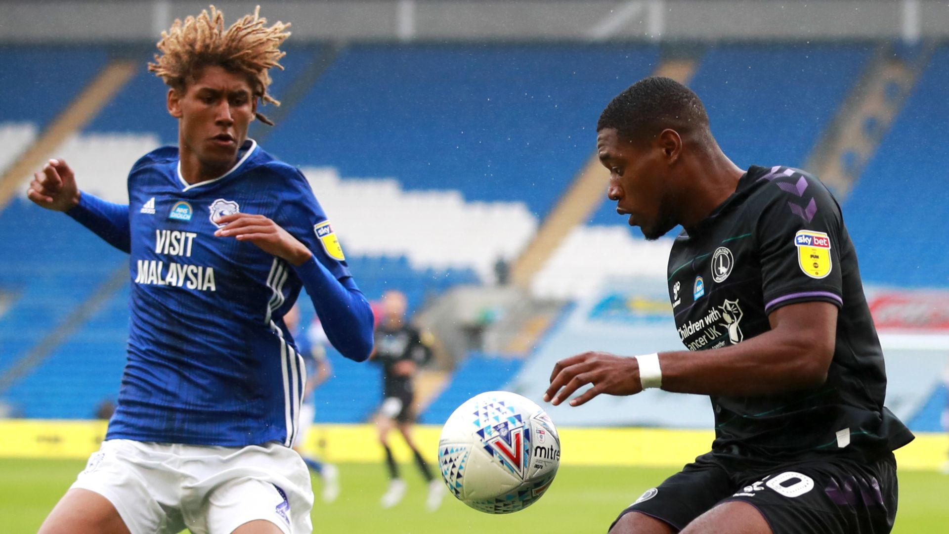 Championship LIVE! Cardiff, Brentford in action