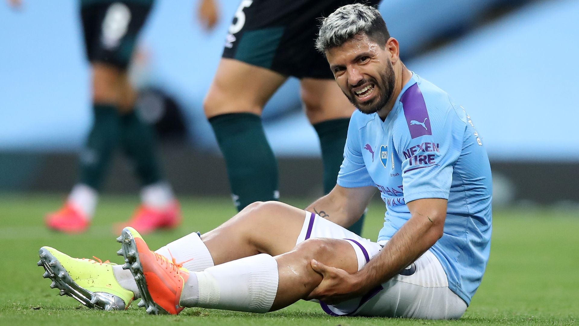 Aguero to travel to Barcelona for knee tests