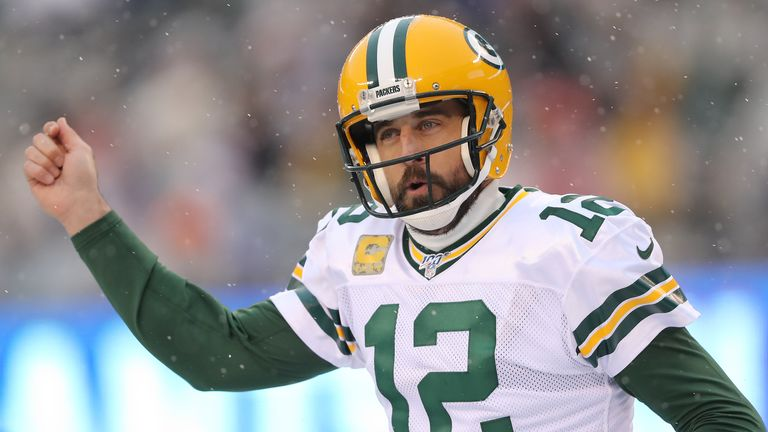 Rodgers celebrates his touchdown pass to Lazard against the Giants