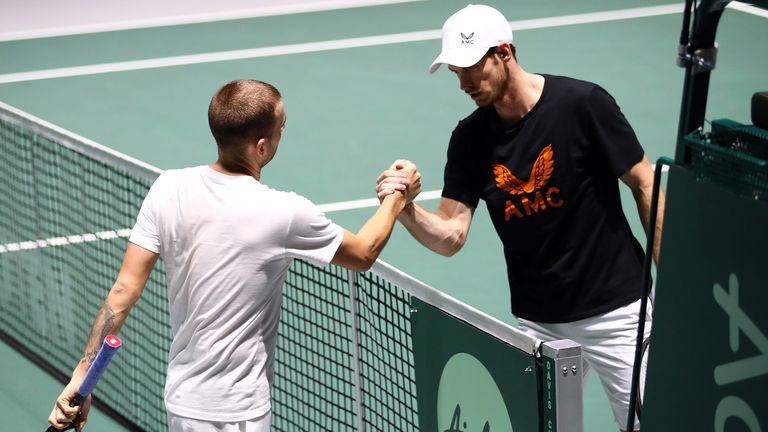 Dan Evans and Andy Murray will go head-to-head in the semi-finals of the Schroders Battle of the Brits tournament on Saturday
