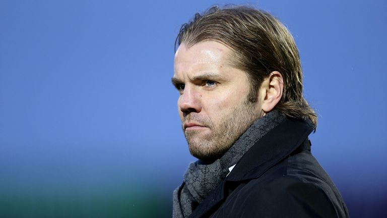 Robbie Neilson has decided to return to Hearts for a second spell at the Tynecastle club