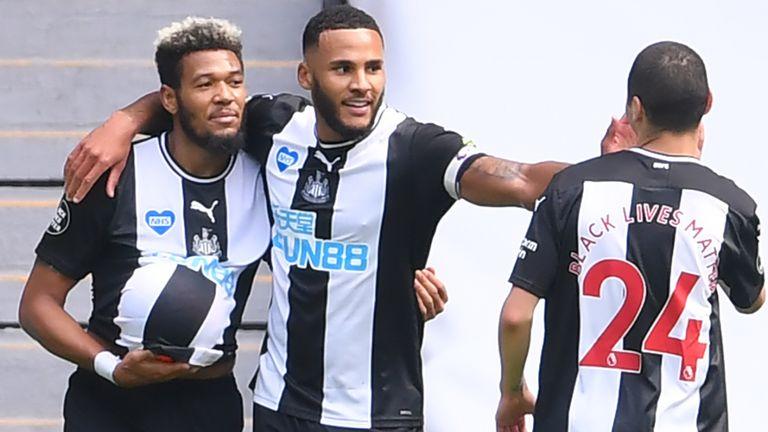 Newcastle boss Bruce insists Saint-Maximin will stay next season