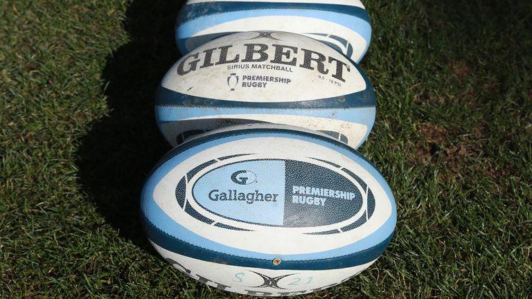 Les clubs de rugby de première division et l'Association des joueurs de rugby sont mêlés à une guerre des mots