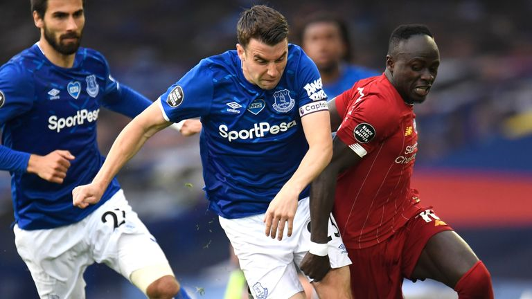 Everton should have taken all three points against Liverpool, according to Jamie Carragher