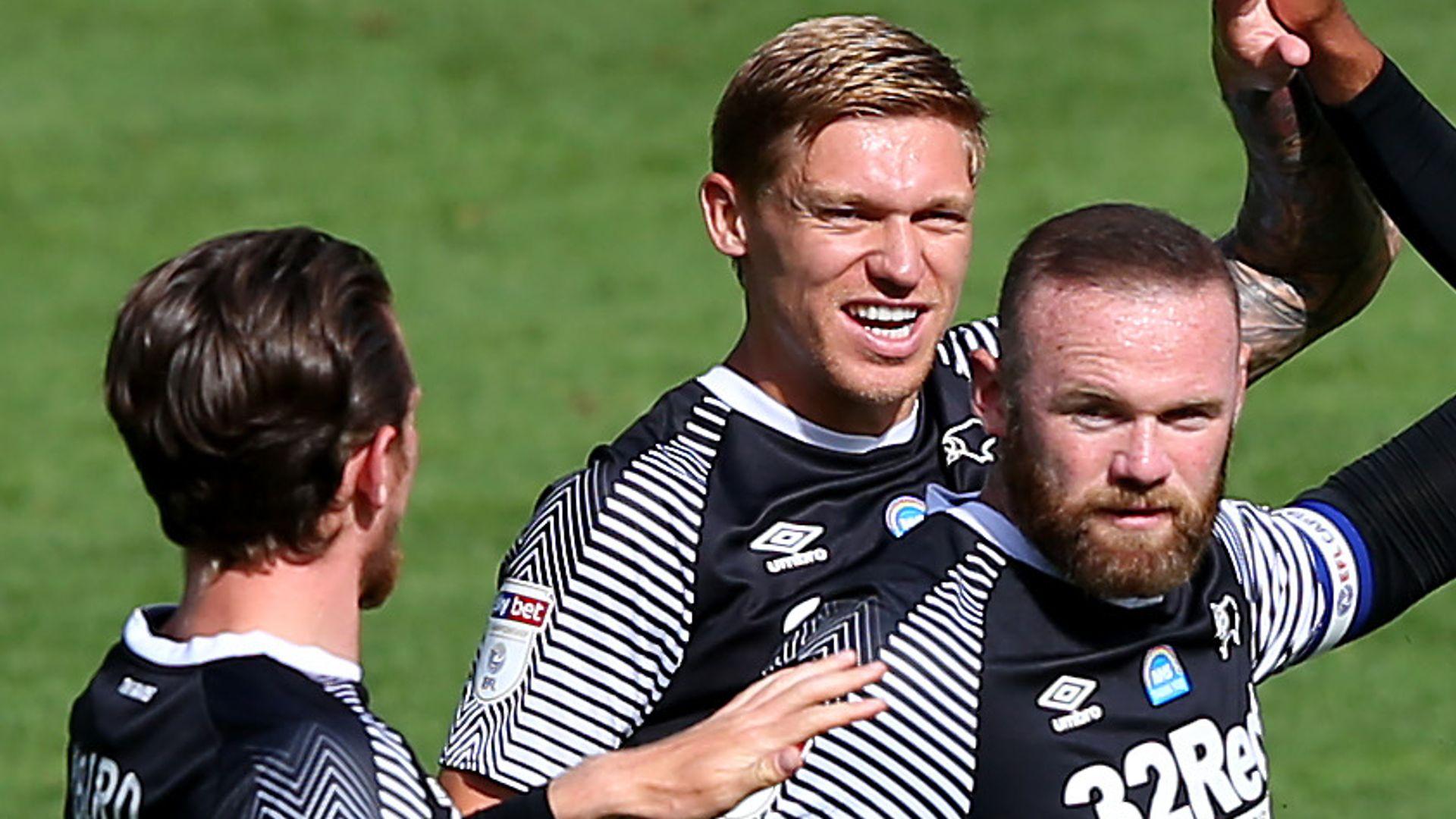 Rooney stunner keeps Derby in play-off hunt