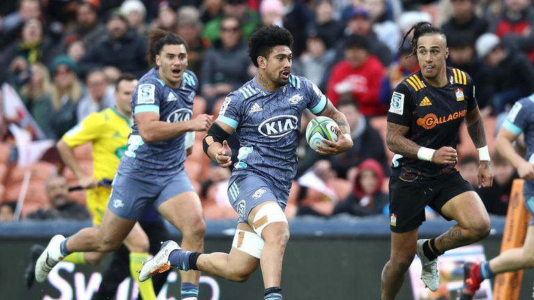 Ardie Savea makes another strong run for the Hurricanes