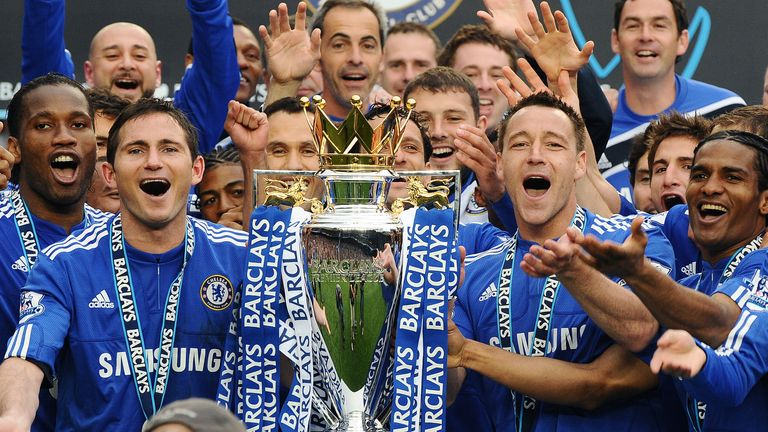 Frank Lampard celebrates winning his third Premier League title in 2010