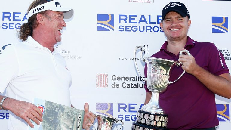 Morrison was presented his trophy by Miguel Angel Jimenez in 2015
