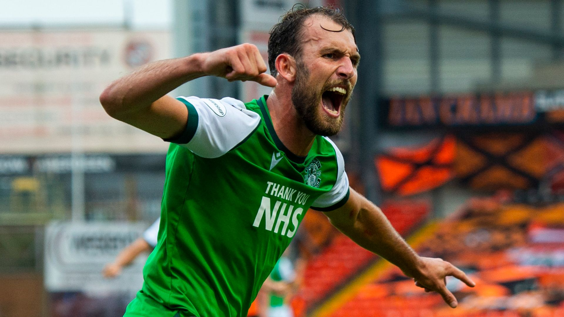 Hibs edge Dundee Utd to continue perfect start