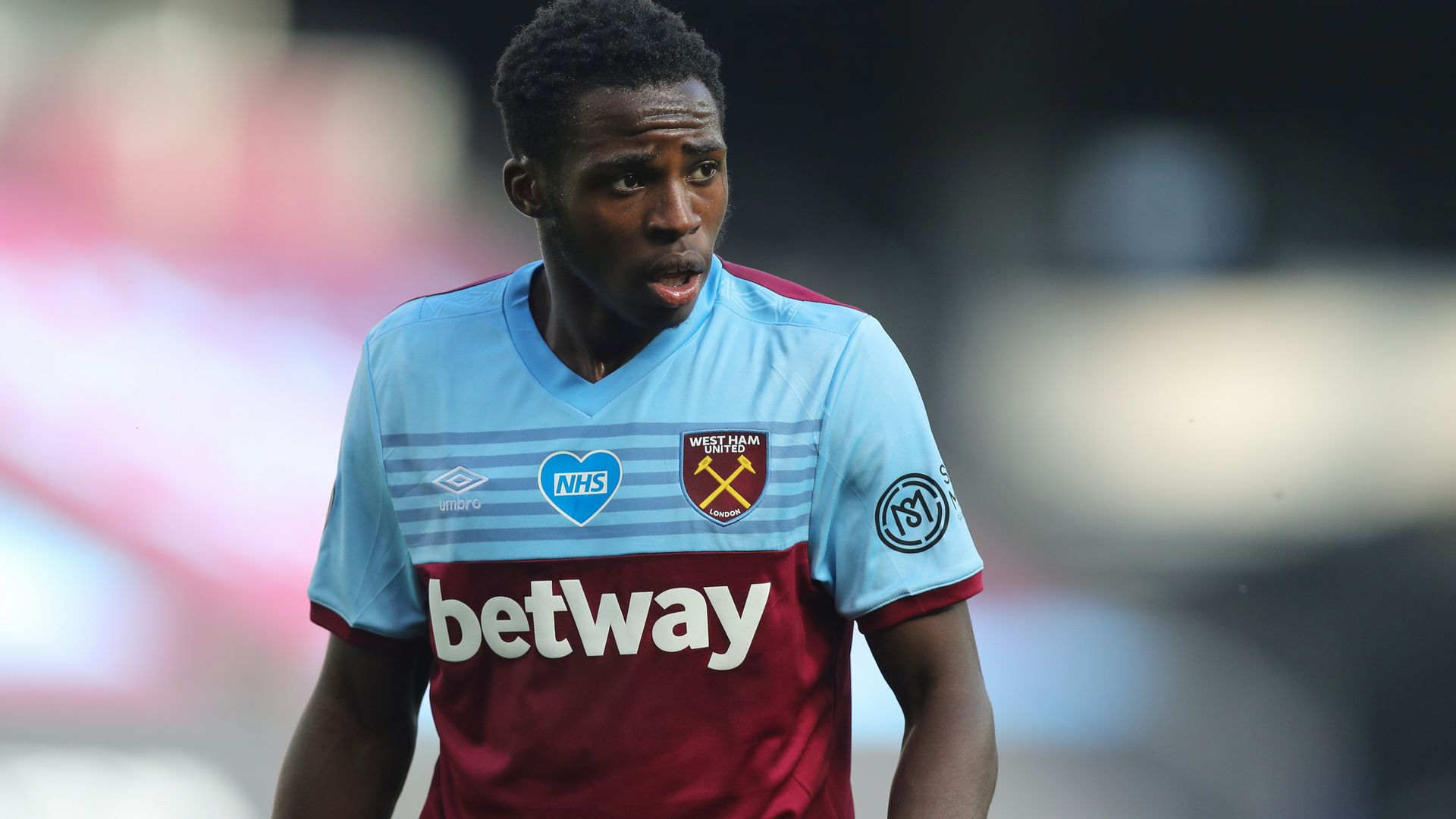 Ngakia joins Watford after West Ham exit