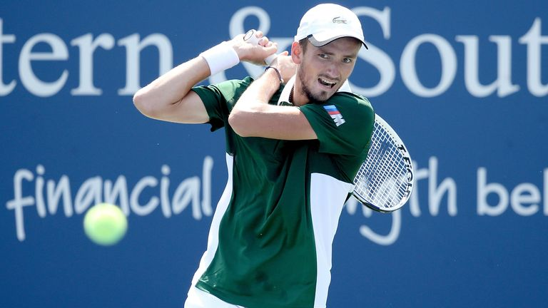 Daniil Medvedev lost out to Roberto Bautista Agut in New York