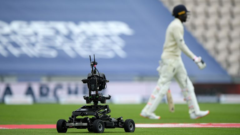 'Dave' the robot camera follows Jofra Archer out to bat at The Ageas Bowl