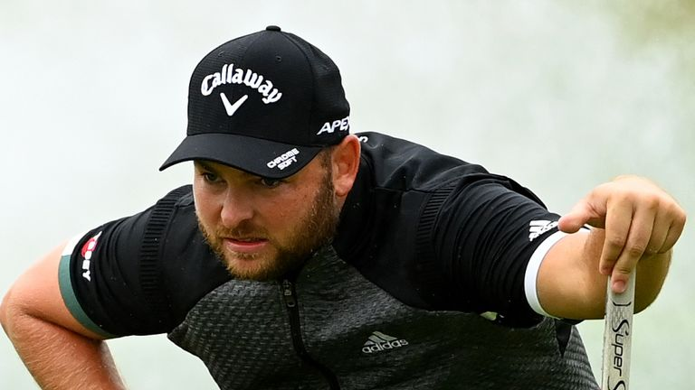 Smith double-bogeyed the 14th but birdied the 17th to get back to four under