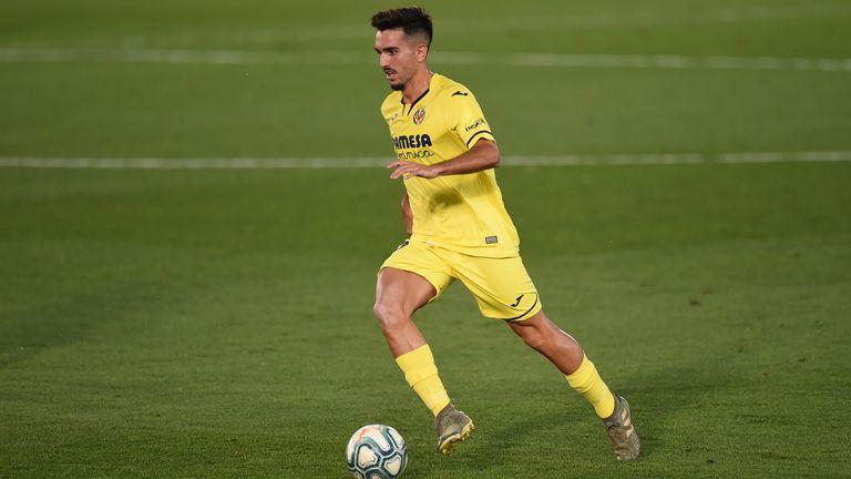 Xavi Quintilla in action for Villarreal earlier this year