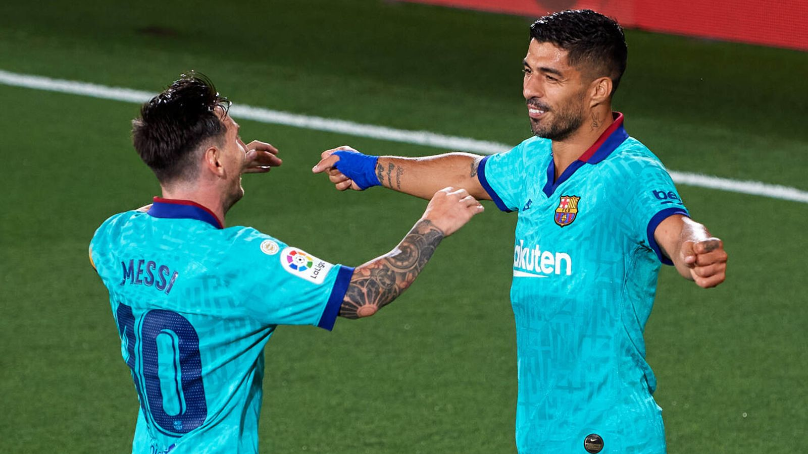Lionel Messi: Luis Suarez should not have been 'pushed out' of Barcelona
