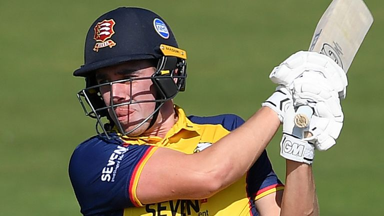 Dan Lawrence in action for Essex Eagles