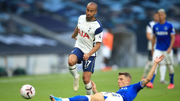 Lucas Moura is dispossessed by Lucas Digne during Sunday's class