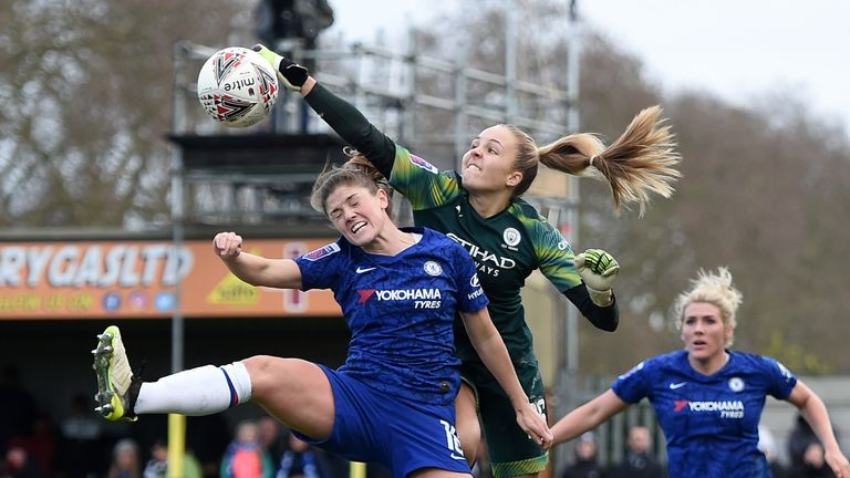 Chamberlain says young 'keepers such as Manchester City's Ellie Roebuck are benefiting from an increase in specialised coaching