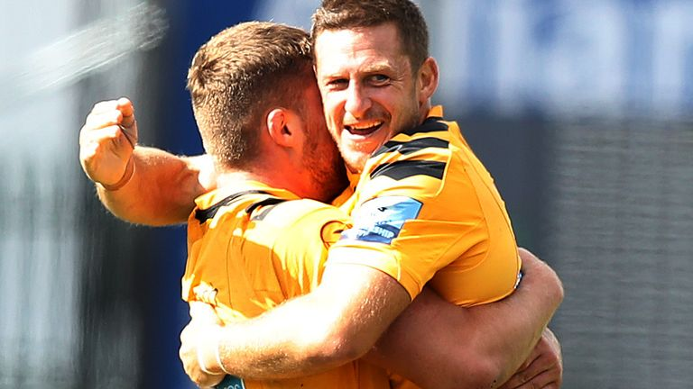 Jimmy Gopperth celebrates with Tom Willis after Wasps' win over Saracens