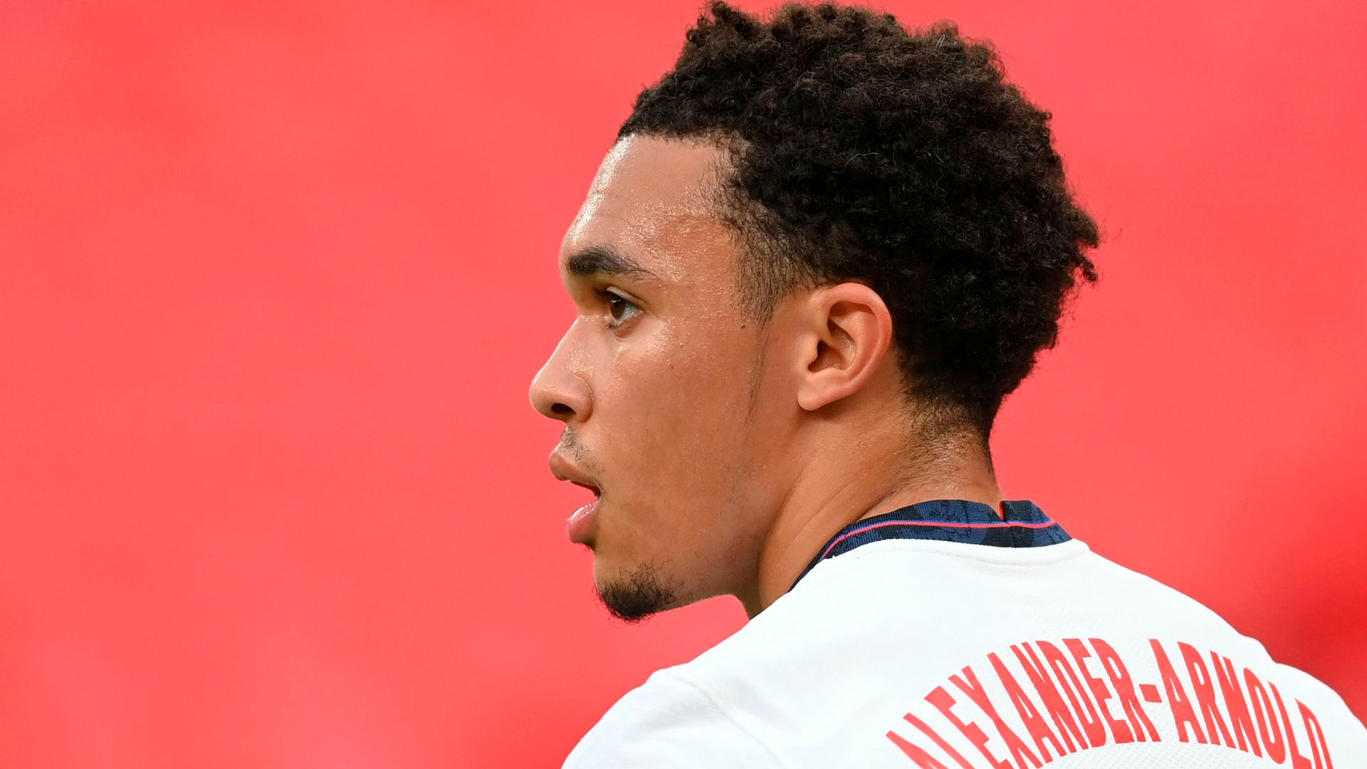 Should Trent play in midfield for England?