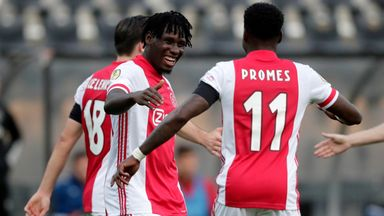 Lassina Traore celebrates another goal with Quincy Promes
