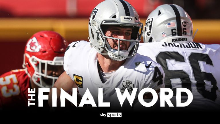 Derek Carr had a fine outing as the Raiders stunned the Chiefs in the upset of the weekend