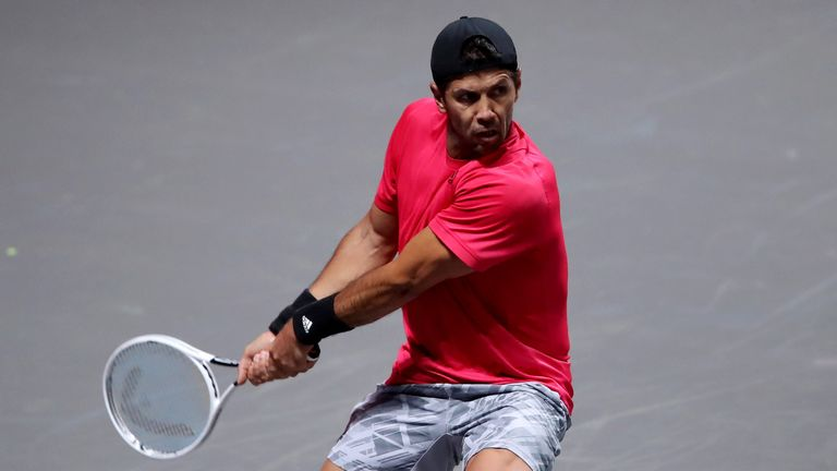 Fernando Verdasco in action against Murray
