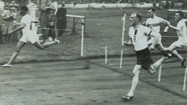 London wins a race at the Amateur Athletic Association meeting at Stamford Bridge in July 1929 (courtesy of University of Westminster Archive)