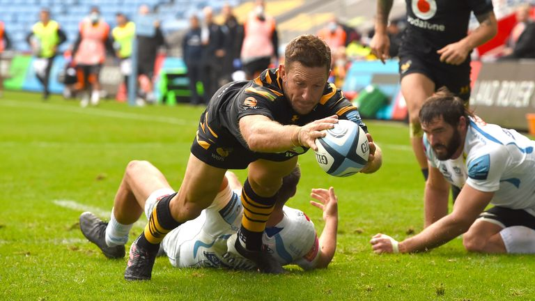 Jimmy Gopperth dives over for a try in Wasps' win over Exeter