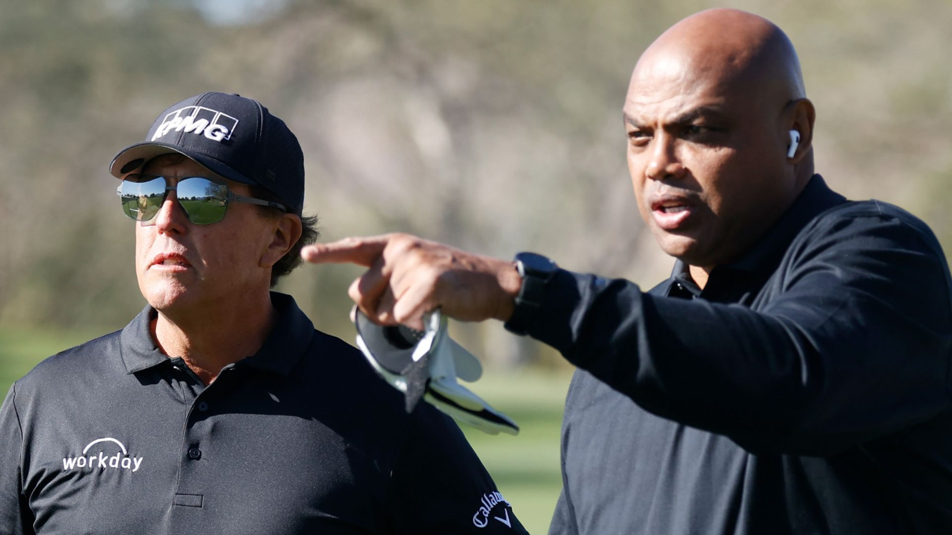 Mickelson, Barkley beat Manning and Curry
