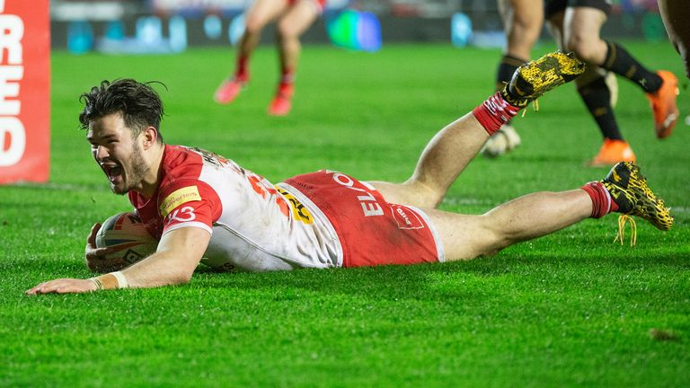 James Bentley also got in on the act with a try for Saints
