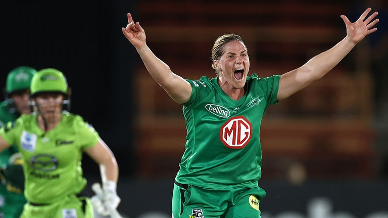 Katherine Brunt appeals successfully for the wicket of Tammy Beaumont